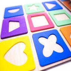 Развивающая игра «Цветные фигуры»